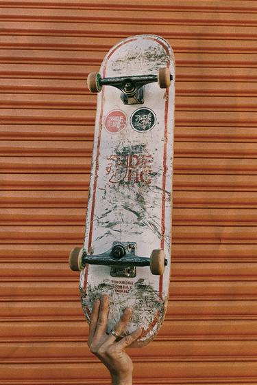 Selalu Cek dan Rawat 3 Parts Ini Biar Papan Skate lo Awet, Superfriends!