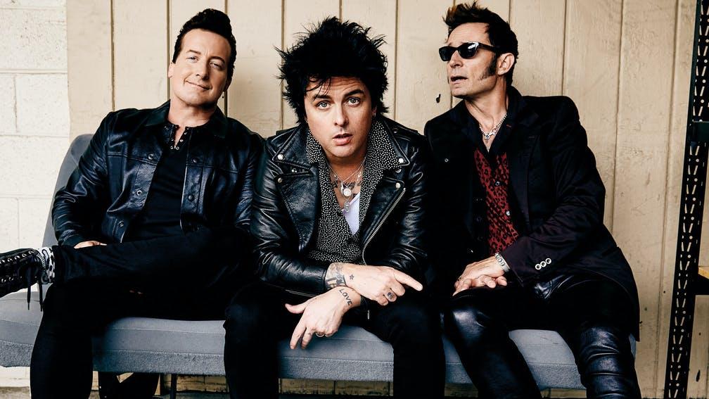 "Green Day Unggah Keseruan Konser lewat Video Klip ""Pollyanna"""