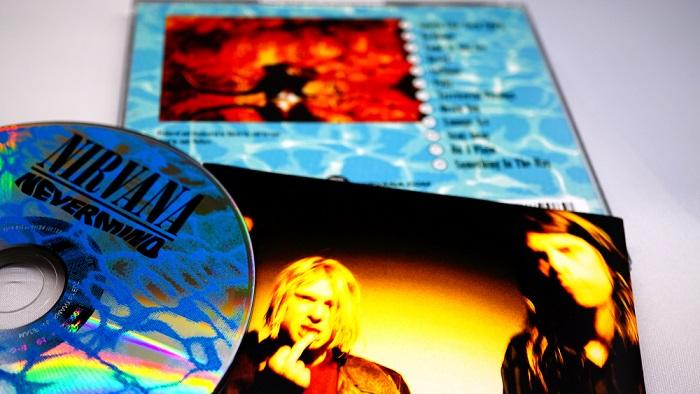 Musik Grunge: Sejarah, Masa Kejayaan, dan Rombongannya