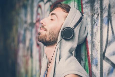 "Arief Blingsatan: Musik sebagai Media ""Self Healing"""