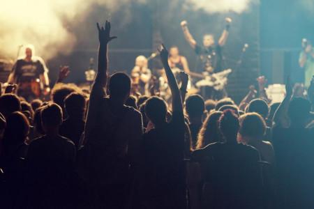 Bagaimana Glam Rock, Grunge dan Pop Punk Membentuk Muda-mudinya