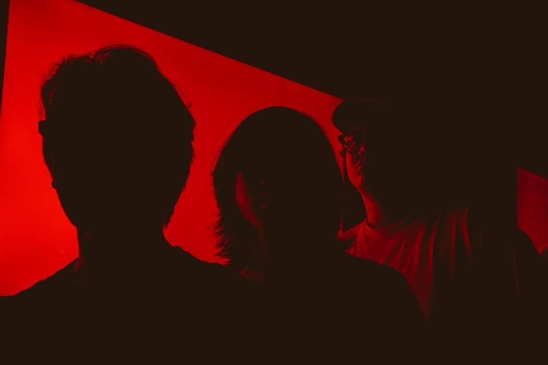 """Enola Mantap Merilis EP """"Does Anyone Else"""""""