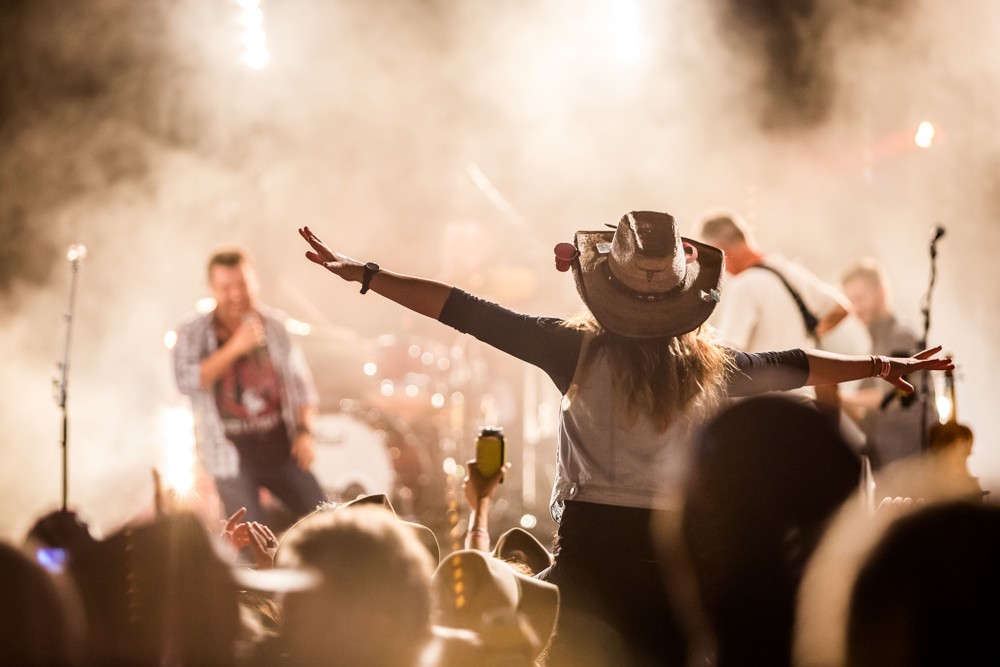 Menilik Sejarah dan Perkembangan Musik Country