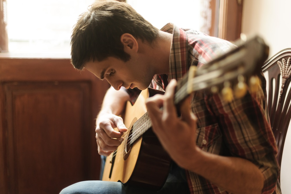 Ikuti Cara Belajar Kunci Gitar yang Mudah Ini!
