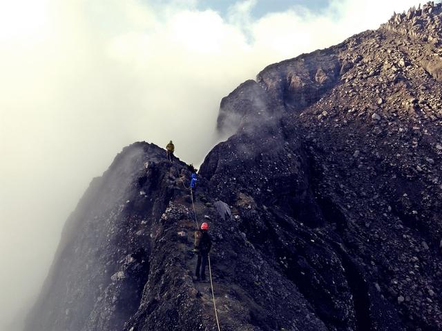 Janatan Ginting - Mendaki Gunung Raung (3.344 mdpl), Jalur Terekstrim di Pulau Jawa