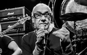 Eks Drummer Black Sabbath Persembahkan Puisi untuk Vinnie Paul