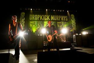 Dropkick Murphys Rilis Dua Single Natal dan Umumkan Kabar Album Baru