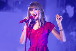 Taylor Swift Pecahkan Rekor 54 Tahun Milik The Beatles