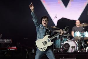 Weezer Sambut Album Baru yang Terinspirasi Van Halen
