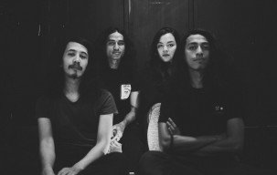Rilis Album Debut April Mendatang